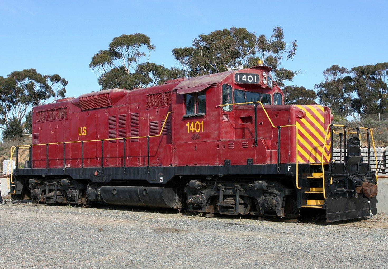 20111204 USMC GP9 1401