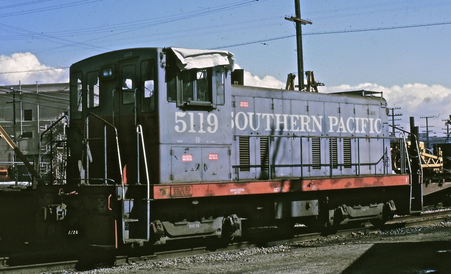 5119 Sits in West Oakland on March 1, 1969 after SP sold the locomotive back to General Electric. She awaits purchase from White City Terminal and Utility Co. Photos by Bob Z.