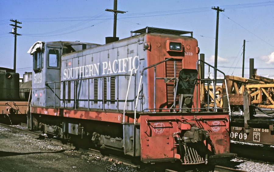 5119 Sits in West Oakland on March 1, 1969 after SP sold the locomotive back to General Electric. She awaits purchase from White City Terminal and Utility Co. Photo by Bob Z.